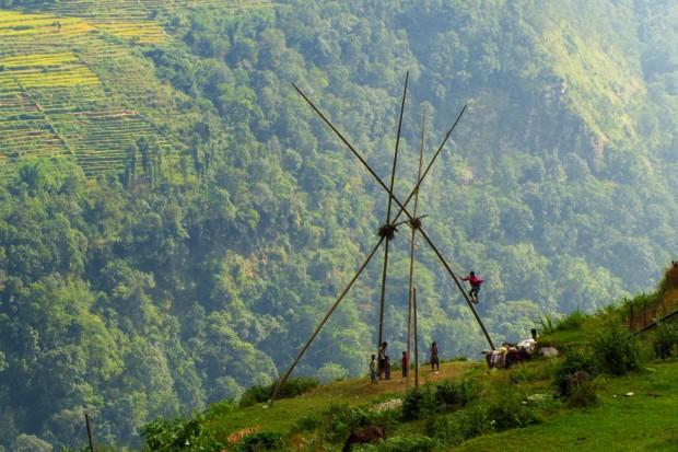 Balançoire au Himalaya, Népal